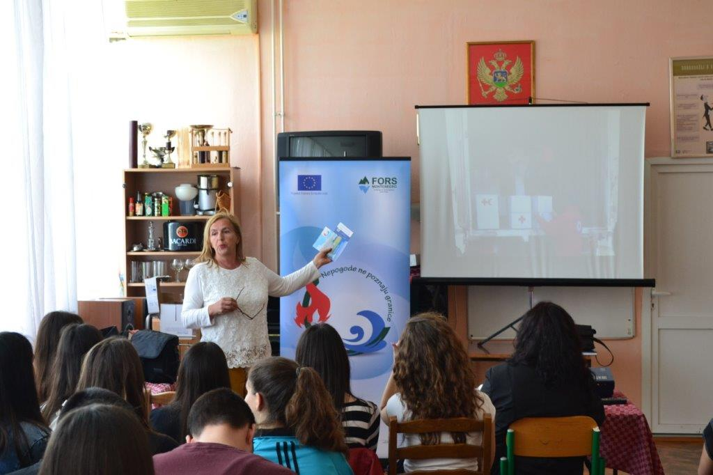 Lectures on disaster risk reduction for students held in Bar and Podgorica